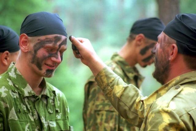 Сябры «Белага легіёну» здаюць іспыт на атрыманне «сталёвага бярэта»