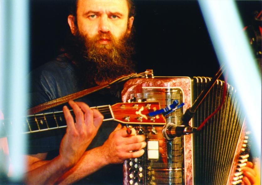 Сяргей Ахрамовіч на канцэрце «Народнага альбома» у Беластоку, 1998 год