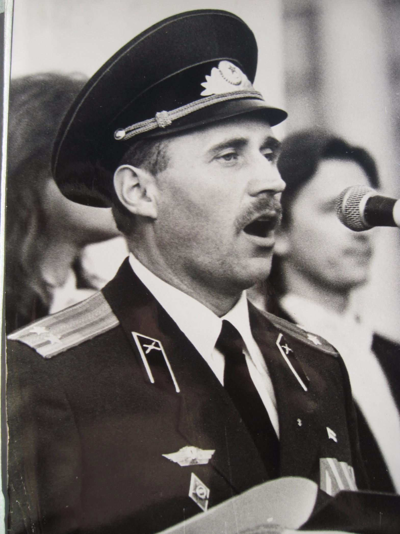 На прысяге Беларусі 8 верасня 1992 года. Мікалай Статкевіч.