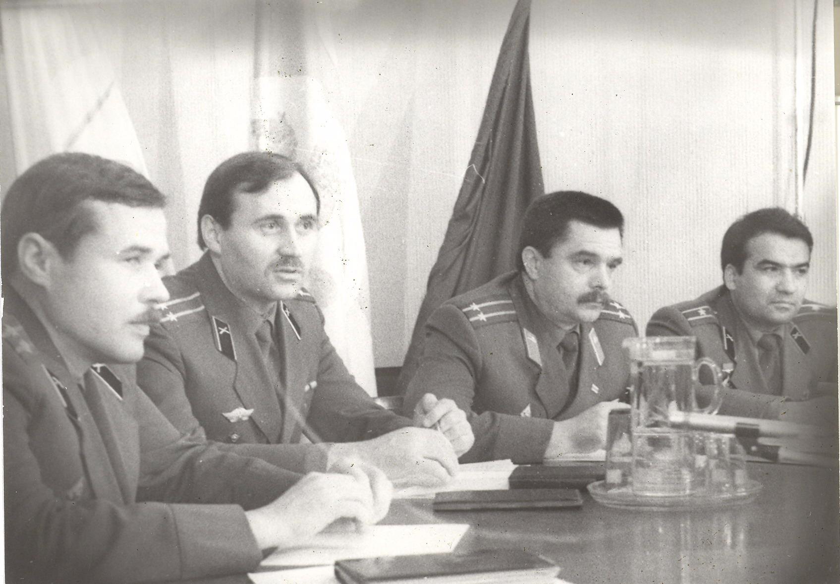 Сябры БЗВ на прэс-канферэнцыі, 1992 год (злева направа): М. Бірукоў, М. Статкевіч, У. Савянок, К. Гельдыеў.