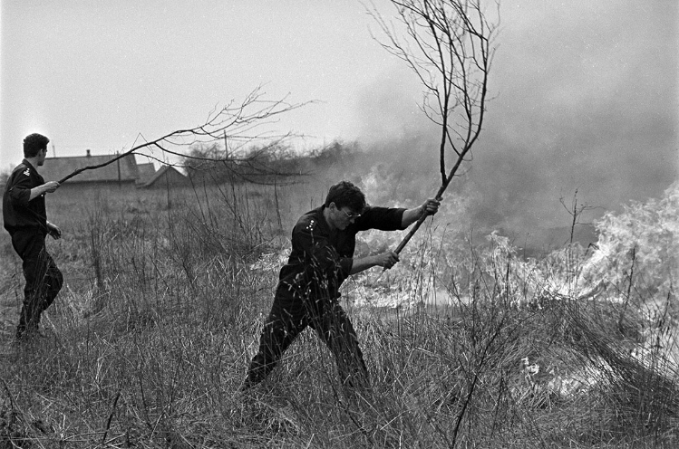Пажары 1992-га года. Фота Сяргея Брушко